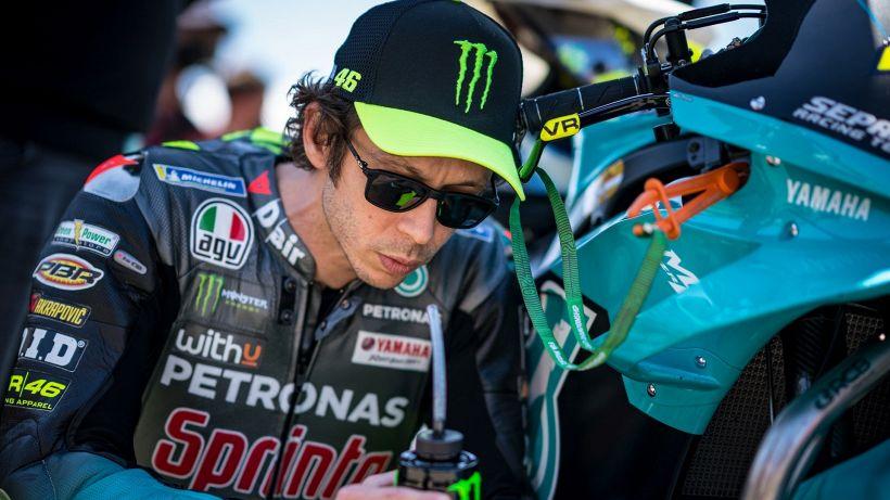 """MotoGp, Valentino Rossi non sa come uscirne: """"Ma non mollo"""""""