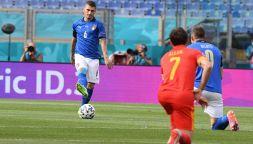 Italia spaccata: azzurri in ginocchio e in piedi prima del Galles