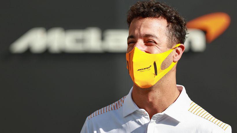 """Ricciardo: """"Sainz mi ha spinto al limite"""""""