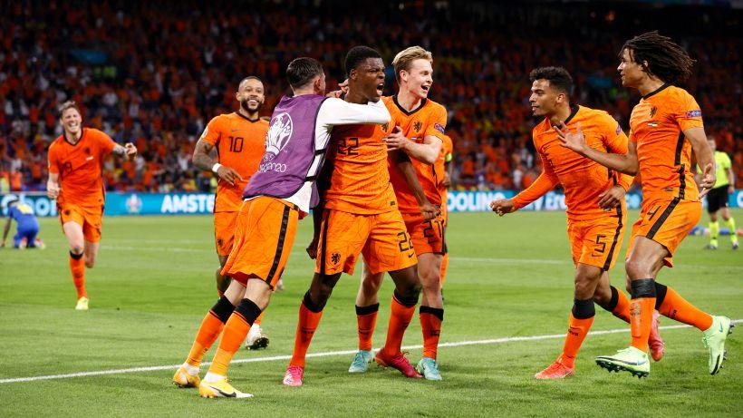 Euro 2020, l'Olanda si butta via poi rinasce: 3-2 sull'Ucraina