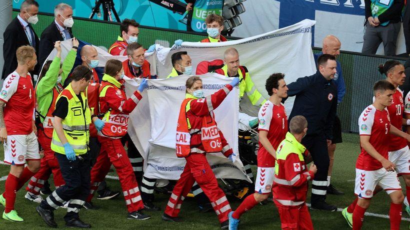 Euro 2020: dramma Eriksen, malore in campo. Le sue condizioni