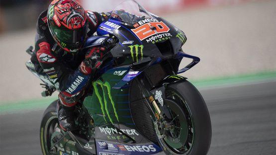 MotoGP, dominio Yamaha ad Assen: vince Quartararo, paura per Rossi