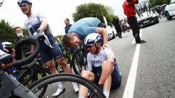 Tour de France, Chris Froome prosegue nonostante la caduta
