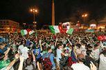 Euro 2020, Italia ai quarti di finale: la festa dei tifosi a Roma