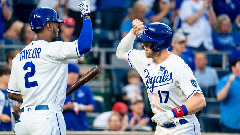 MLB: vola Kansas City; crisi Texas