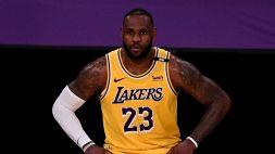 """NBA, LeBron fuori dai playoff: """"È difficile parlare di queste cose"""""""