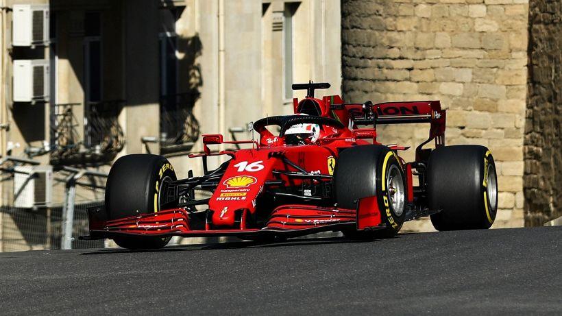 F1, libere Baku: brillano ancora la Ferrari e Leclerc, Mercedes indietro
