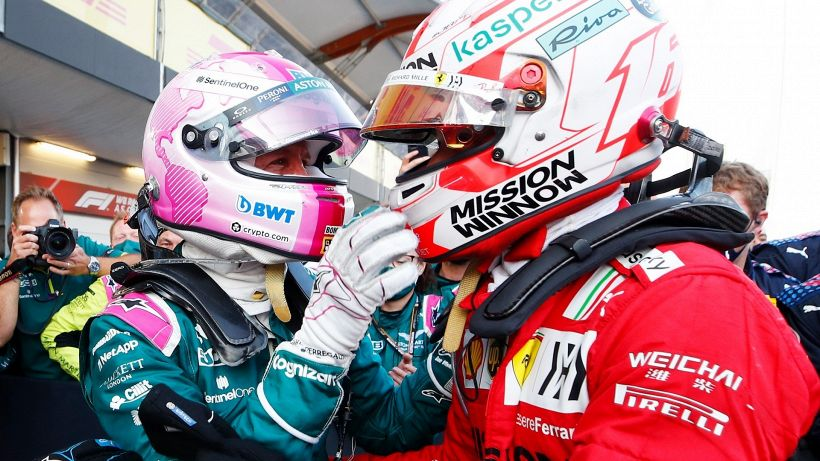 "F1, Ferrari: Sebastian Vettel sorpassa e ""punge"" Charles Leclerc"