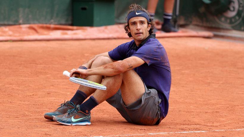 Roland Garros, Musetti sfiora l'impresa ma si ritira con Djokovic