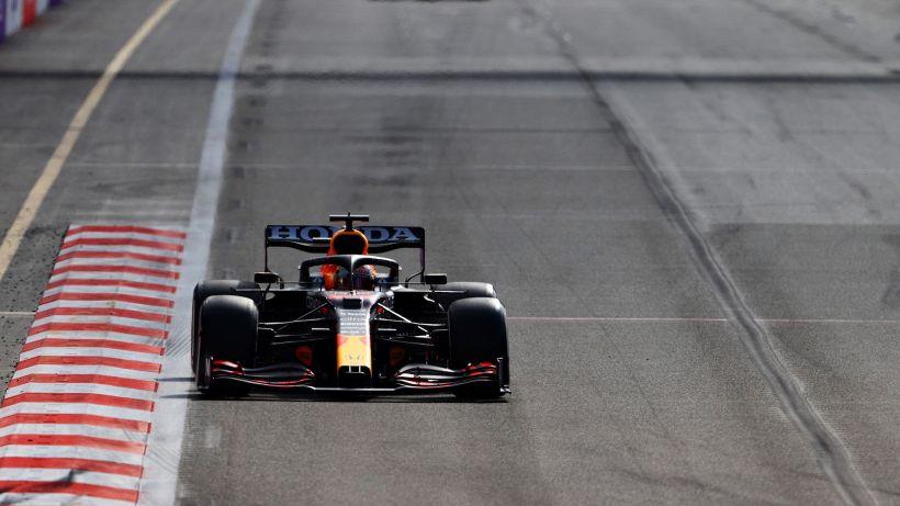 F1, in Francia pole di Verstappen: le Ferrari deludono
