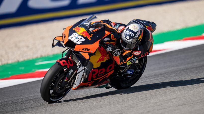 GP Germania MotoGP: Oliveira davanti nelle seconde libere, cade Rossi