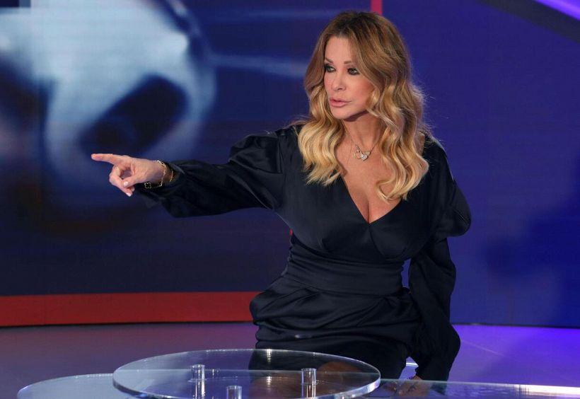 Paola Ferrari si difende dopo le critiche per le inquadrature hot