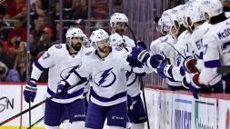 NHL: Tampa Bay in semifinale, Colorado sotto