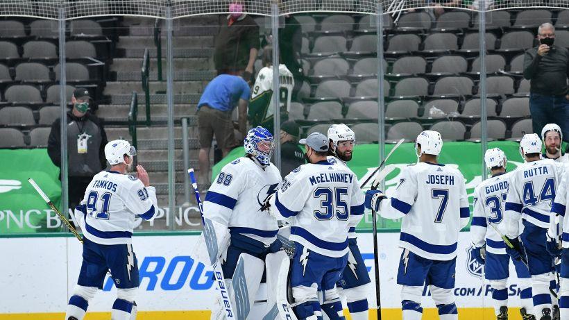 NHL: Tampa Bay scappa sul 3-1, cade Boston