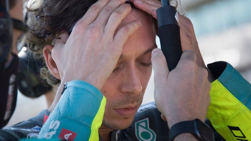 MotoGp, un deluso Valentino Rossi si rammarica per l'errore