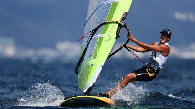 Tokyo, windsurf: Camboni in testa, speranza medaglia