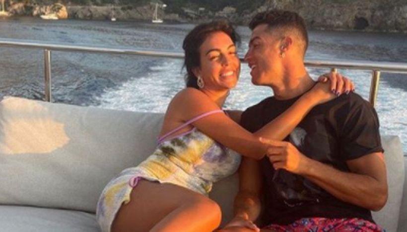 Cristiano Ronaldo, dietro al post per Georgina: il rinnovo con la Juve