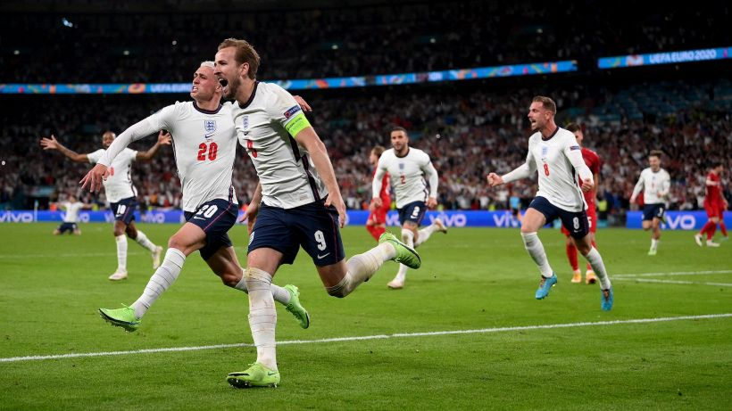Pro-England conspiracy theory pervades the web