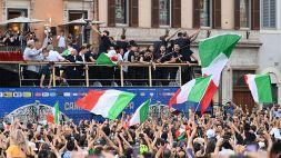 Italia in festa ma i tifosi si scagliano contro i giornalisti