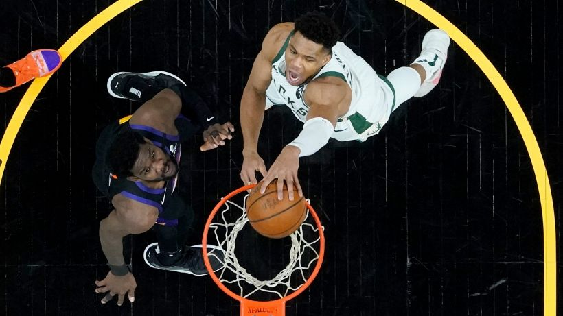"NBA, DeAndre Ayton: ""Affrontare Giannis? E' stato divertente"""