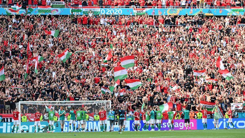 Ungheria, razzismo e omofobia: porte chiuse per tre gare