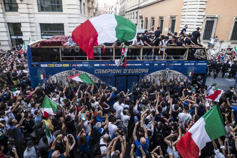 """Italia, gioia sfrenata: i tifosi scelgono il più """"festaiolo"""""""