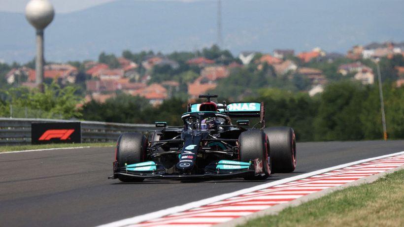 F1, GP Ungheria: Lewis Hamilton davanti nelle ultime libere