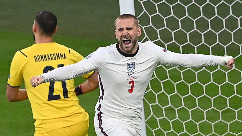 Euro 2020, Shaw in campo con fratture alle costole