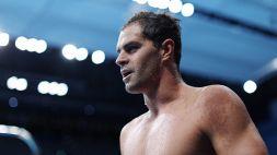 Tokyo 2020: il nuotatore no-vax Andrew senza mascherina in mixed zone