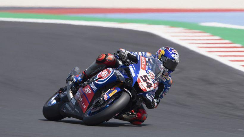 Superbike, Donington: Grande rimonta di Razgatlioglu! Rea 2° e battuto