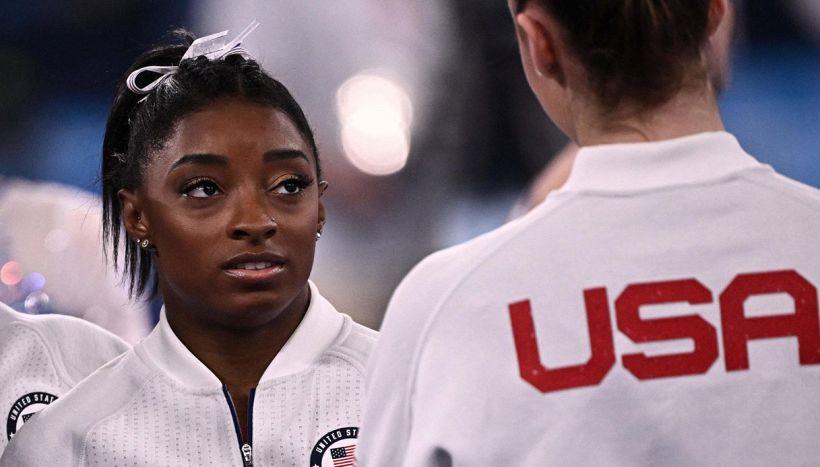 Olimpiadi, lezione di Simone Biles: rotto il silenzio su quel dolore