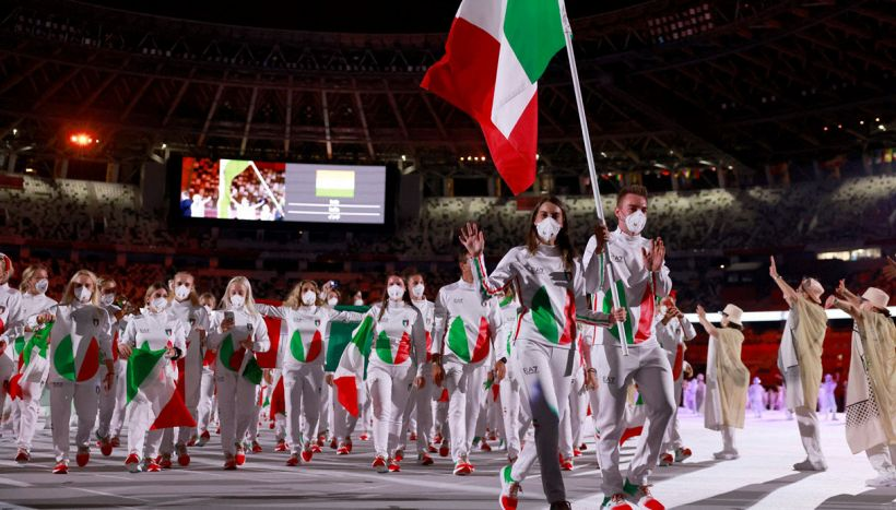 Tokyo 2020: Osaka accende la fiamma, orgoglio Italia. Onore Egonu