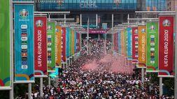 Tensione a Wembley: scontri tra Polizia e tifosi inglesi