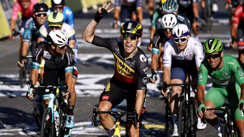 Van Aert si impone a Parigi, Pogacar vince il secondo Tour consecutivo