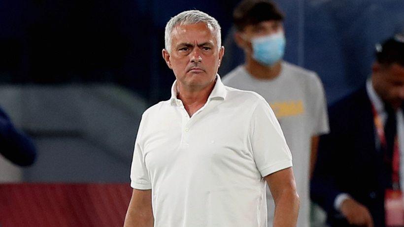 """Mourinho interrompe l'intervista: """"Dionisi deve rientrare"""""""