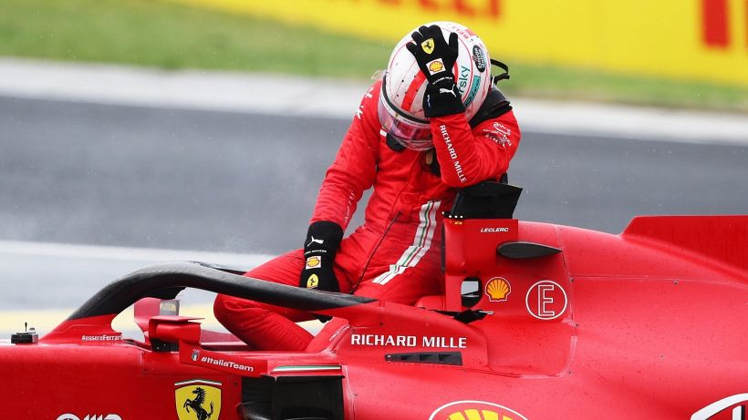 F1, furia Ferrari: per Charles Leclerc arriva la beffa oltre al danno