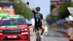 Vuelta, 10^ tappa: vince Storer, cade Roglic. Cambia la maglia roja