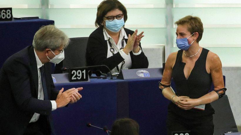 Scherma, ovazione al Parlamento Europeo per Bebe Vio
