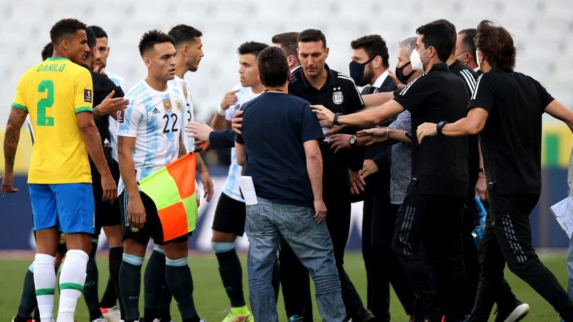 Autorità sanitaria in campo: sospesa Brasile-Argentina
