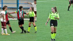 Arbitro donna insultato: lei si sfoga, calciatore punito ma è polemica