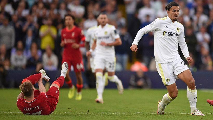 Infortunio shock per Elliott: caviglia spezzata durante Leeds-Liverpool