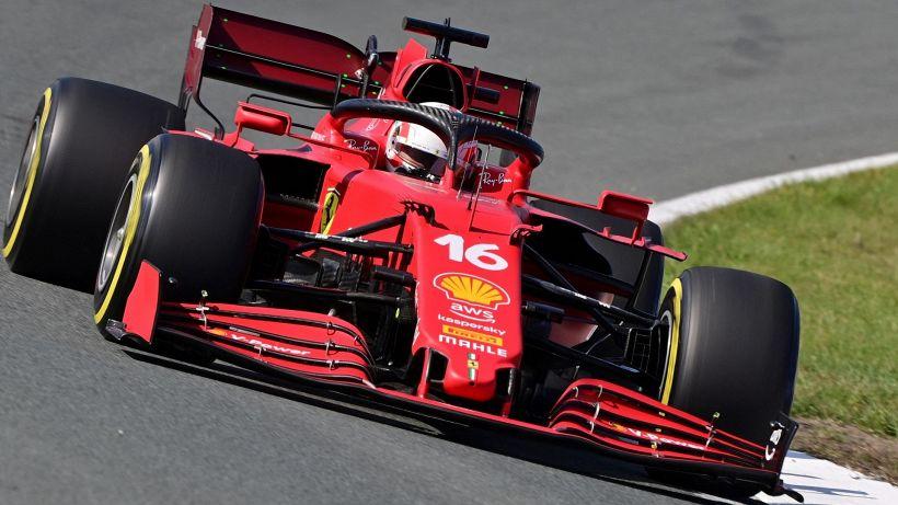 F1, Gp Olanda: Verstappen in pole, poi Hamilton. Bene Leclerc