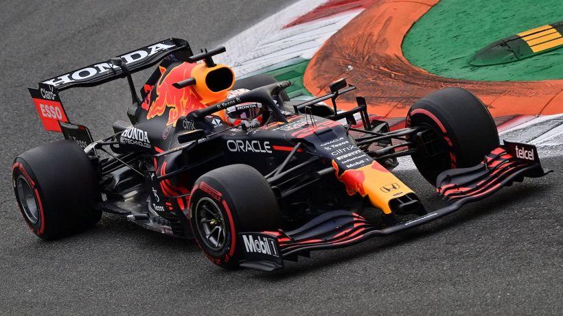"""F1, Verstappen: """"Le Mercedes sono molto più veloci"""""""
