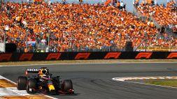 F1, Super Max Verstappen domina e vince a Zandvoort: doppiate le Ferrari