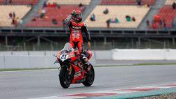 Superbike, GP di Catalogna: Rinaldi trionfa in gara-2, Razgatlioglu torna leader