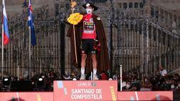 Ciclismo, la Vuelta 2022 partirà dall'estero