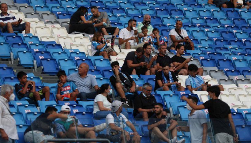 Napoli, esplode la gioia dei tifosi e c'è una sorpresa