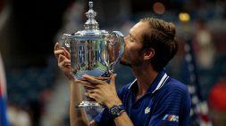 US Open: Medvedev travolge Djokovic, le foto