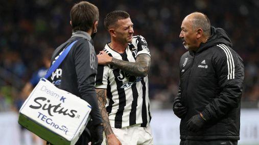 Infortunio per Bernardeschi contro l'Inter: condizioni della spalla da valutare