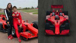 Ferrari: Leclerc porta la sua Charlotte Sinè a bordo di una F1